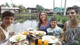 ארוחת בוקר ראשונה בבנגקוק